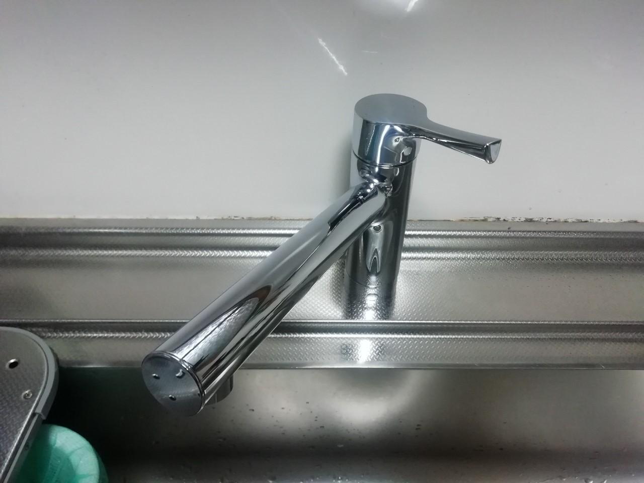 キッチン水栓の交換工事(TOTO TKS05301J)【京都市北区大宮】